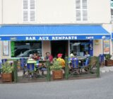 Unterwegs in einem französischen Dorf